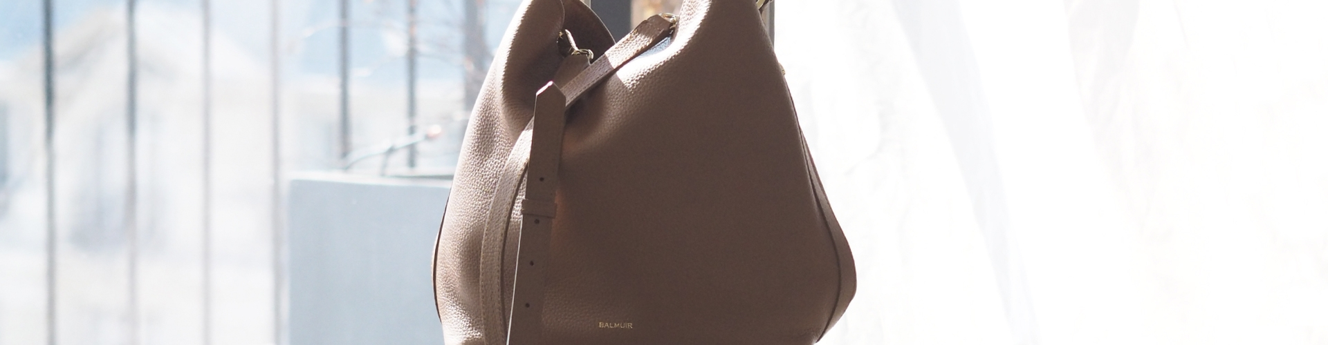 Eyleen Bucket Bag